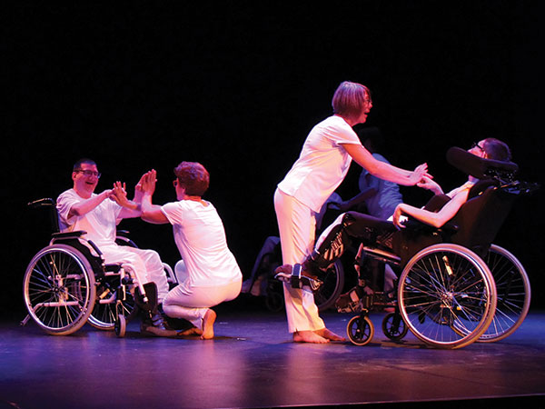 Un spectacle de danse contemporaine & inclusive