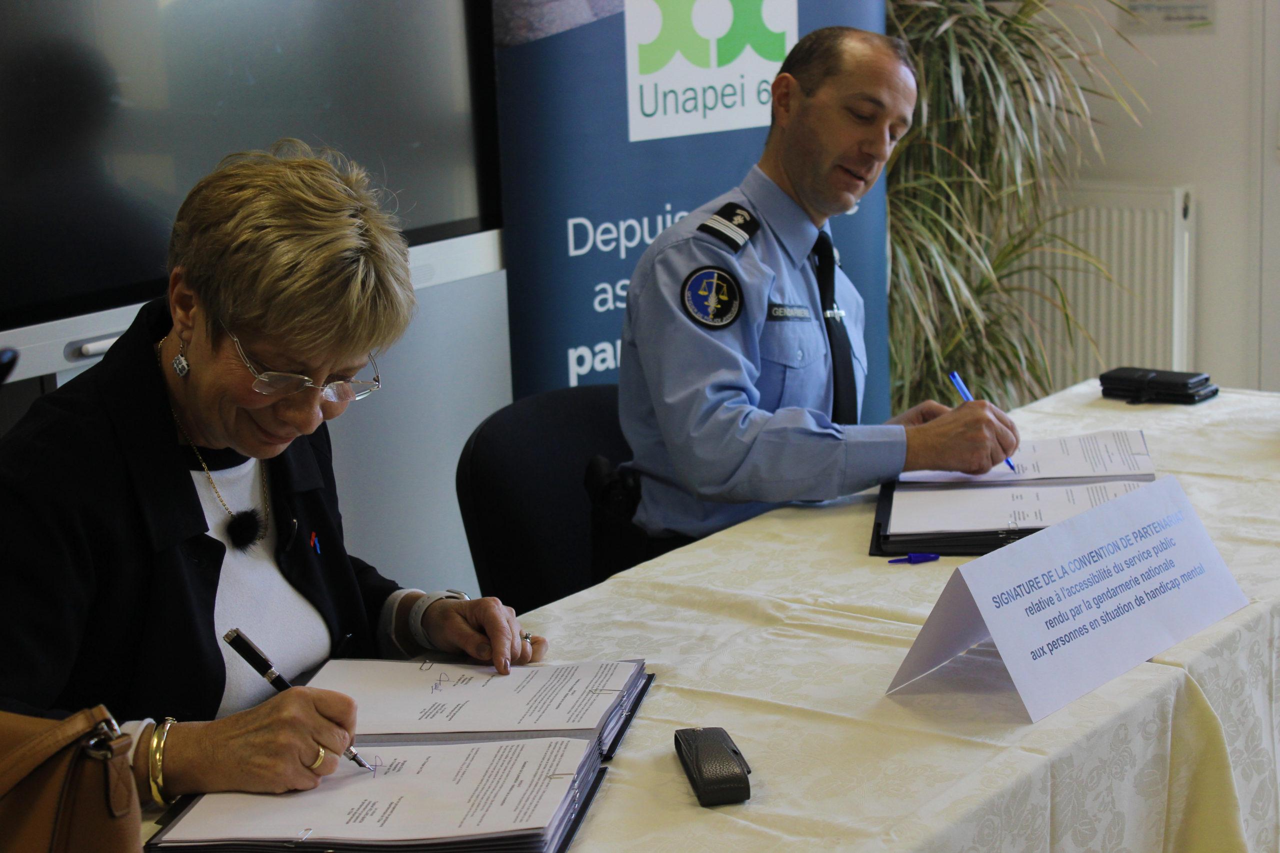 Signature de la convention de partenariat entre l'Unapei de l'Oise et le groupement de gendarmerie départementale de l'Oise